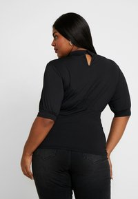 Lost Ink Plus - PUFF SLEEVE WITH KEYHOLE - T-shirts med print - black - 2