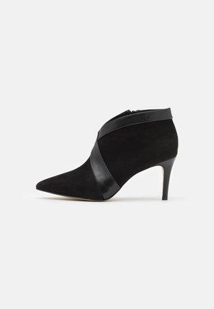 VIGGO - Kotníková obuv na vysokém podpatku - noir