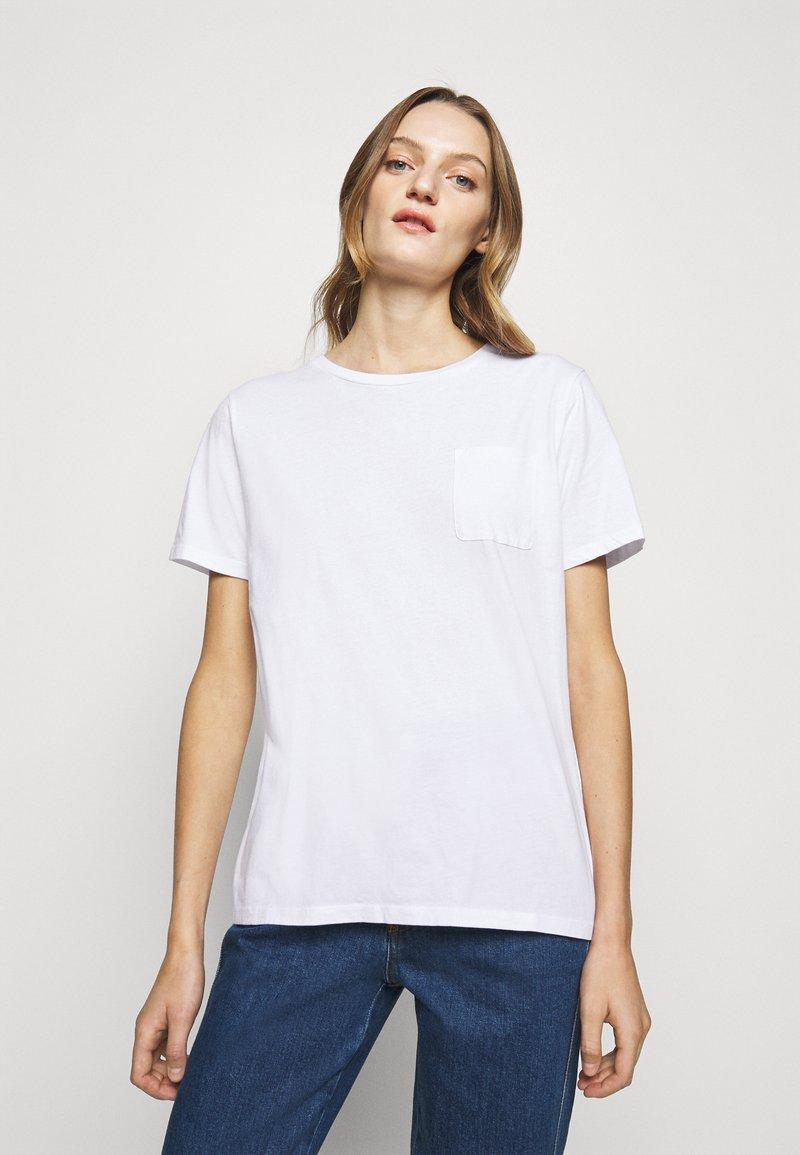 CLOSED - Basic T-shirt - white