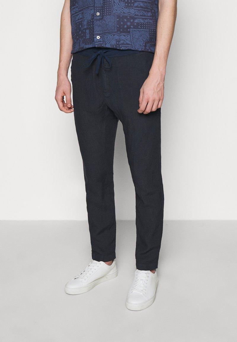 120% Lino - TROUSERS - Pantaloni - blue navy