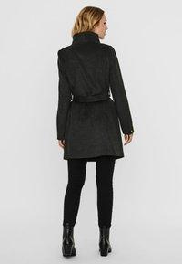 Vero Moda - Trenchcoat - dark grey melange - 2