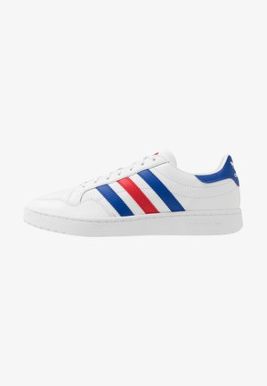 TEAM COURT - Sneakersy niskie - footwear white/royal blue/scarlet