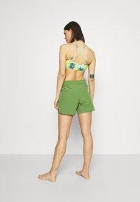 Roxy - Shorts da mare - vineyard green - 2