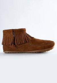 Minnetonka - CONCHO FEATHER - Classic ankle boots - cognac - 5