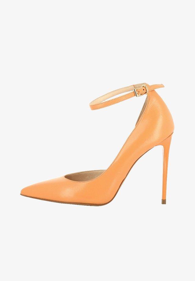 ALINA - Zapatos altos - orange