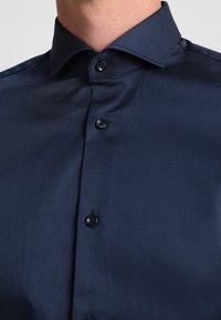 Selected Homme - PELLE - Kostymskjorta - insignia blue - 3