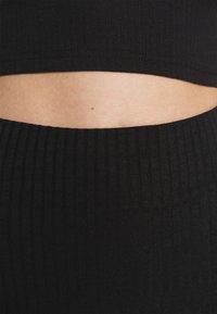 Missguided - SIDE SPLIT SKIRT - Pencil skirt - black - 4