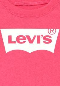 Levi's® - BATWING - Maglietta a manica lunga - camelia rose - 3