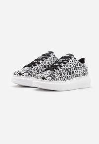 KARL LAGERFELD - KAPRI GRAFFITI LACE - Sneaker low - black/white - 2