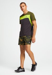 ASICS - Print T-shirt - graphite grey/smog green - 1
