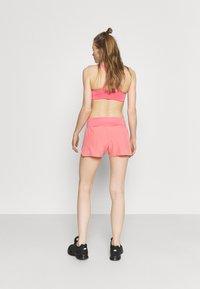 ASICS - ROAD SHORT - Sports shorts - peach petal - 2