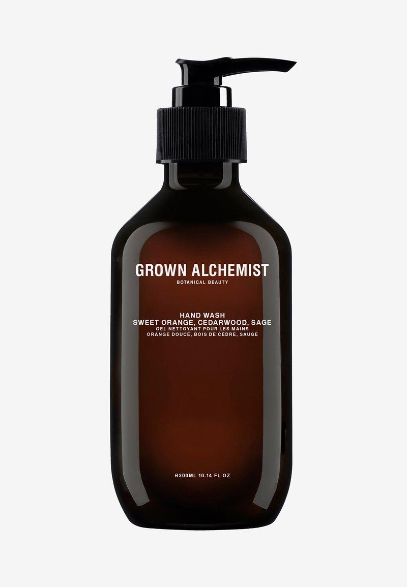 Grown Alchemist - HAND WASH SWEET ORANGE, CEDARWOOD & SAGE - Flytande tvål - -