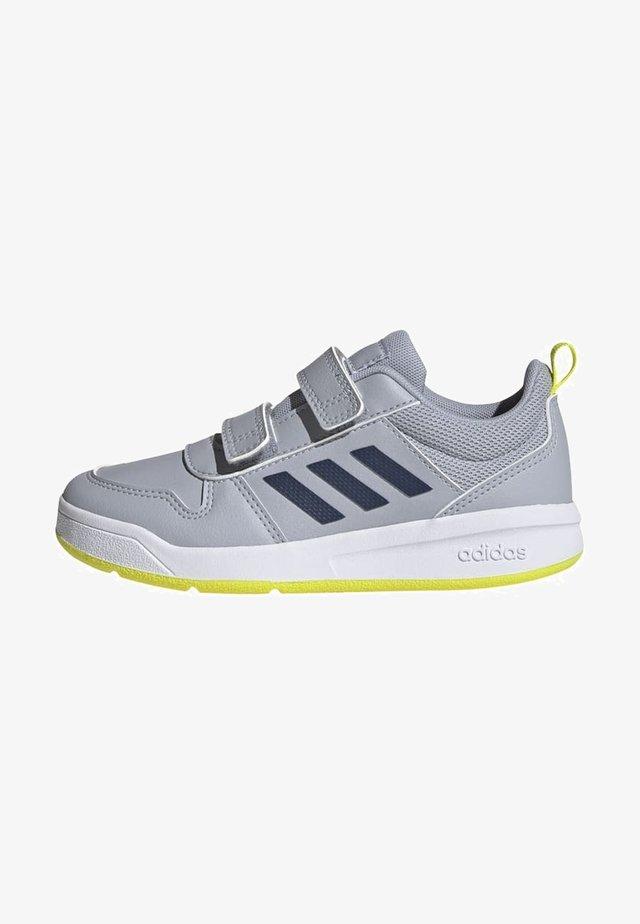 TENSAUR UNISEX - Chaussures d'entraînement et de fitness - silver/yellow