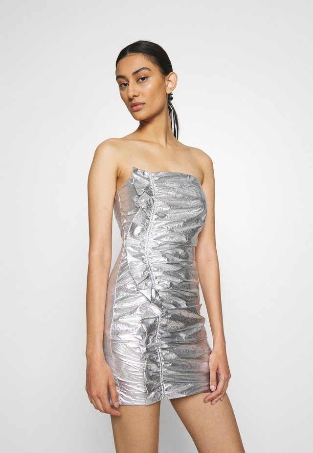 DRIFTER FRILL STRAPLESS - Cocktail dress / Party dress - silver
