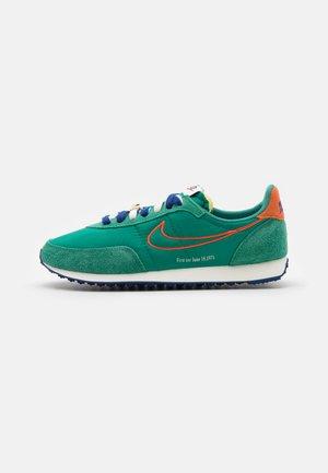 WAFFLE TRAINER 2 - Sneakers - green noise/orange/sail/deep royal blue/deep royal blue