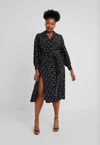Fashion Union Plus - PRINTED BUTTON THROUGH DRESS - Košilové šaty - black - 2