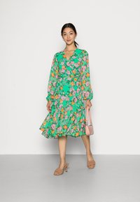 Cras - HUDSONCRAS DRESS - Sukienka letnia - island flower - 1