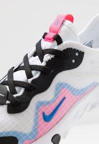 Nike Sportswear - RENEW LUCENT - Baskets basses - white/photo blue/hyper pink/black - 2