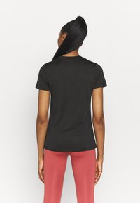 Nike Performance - TEE CREW - Camiseta básica - black - 2