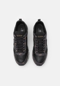 Guess - NEW GLORYM - Sneakers basse - brown/ocra - 3