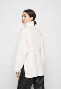Gina Tricot - TESSA KNITTED  - Jumper - warm white - 2