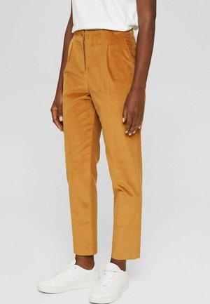 HIGH RISE AUS SHINY KORD MIT STRETCH - Trousers - caramel