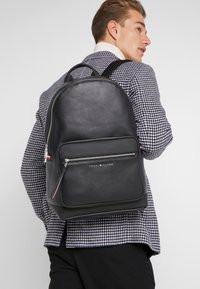 Tommy Hilfiger - BACKPACK - Mochila - black - 1