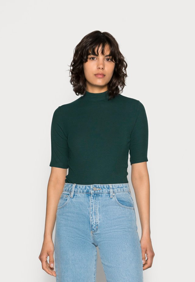 KROWN - Jednoduché triko - green