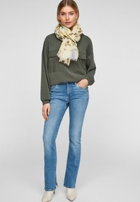 s.Oliver - MIT MUSTERMIX - Scarf - offwhite placed print - 0