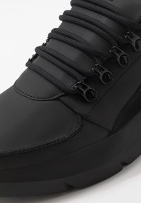 Nubikk - ELVEN ROYAL - Sneakers basse - black raven - 5