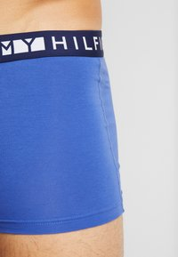 Tommy Hilfiger - TRUNK  3 PACK - Culotte - red/blue/white - 4