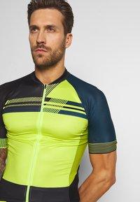 Vaude - ME PRO TRICOT - T-Shirt print - bright green - 3