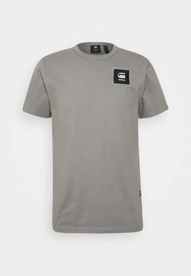 BADGE LOGO - Print T-shirt - charcoal