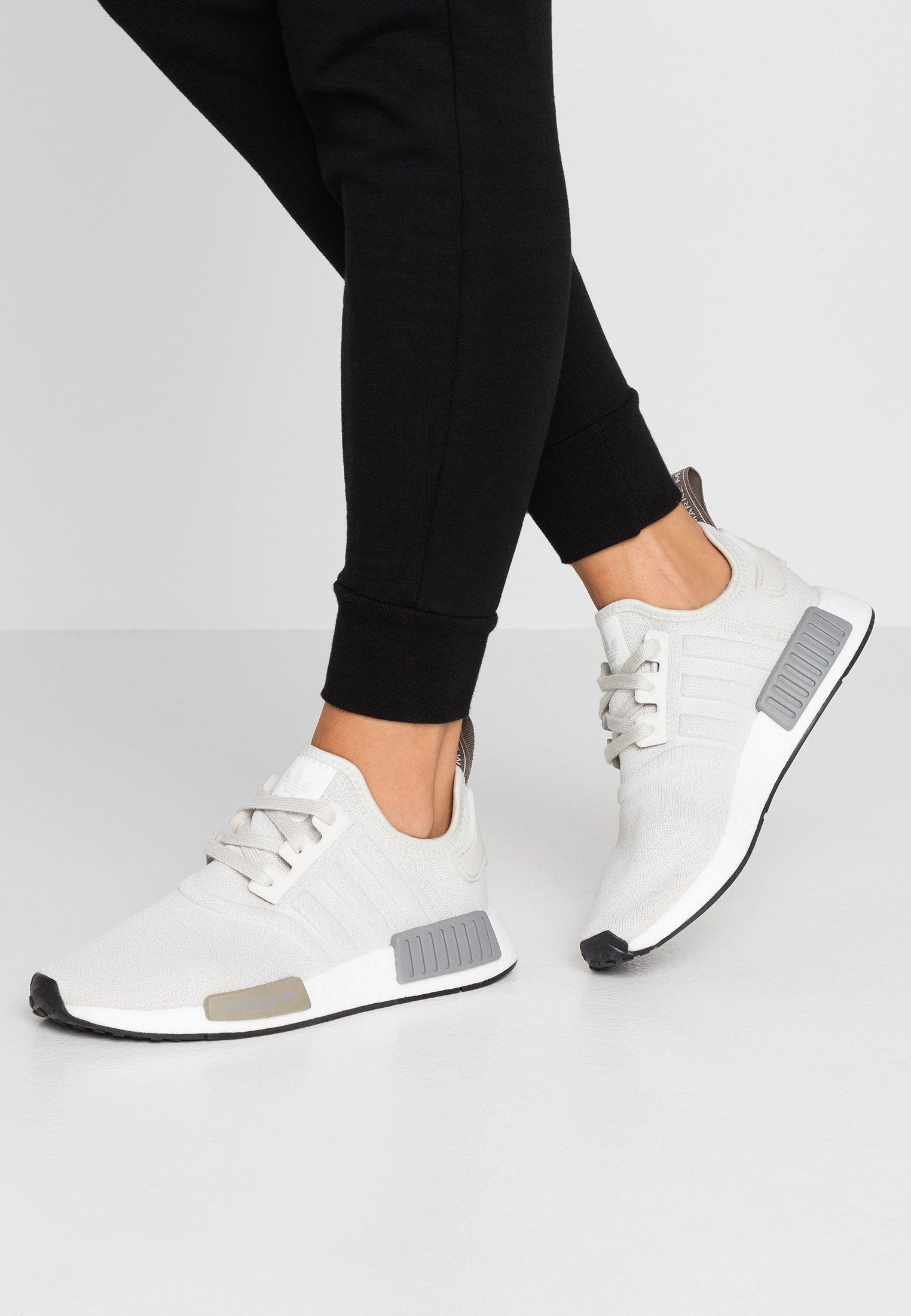 Soldes > adidas nmd r1 v2 zalando > en stock
