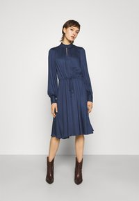 Bruuns Bazaar - BAUMA TILDA DRESS - Vestito estivo - dark blue - 0