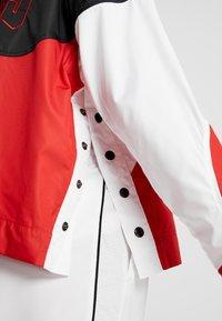 Nike Performance - NBA CHICAGO BULLS WOMENS JACKET - Treningsjakke - black/university red/white - 5