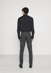 Isaac Dewhirst - Oblek - grey - 5
