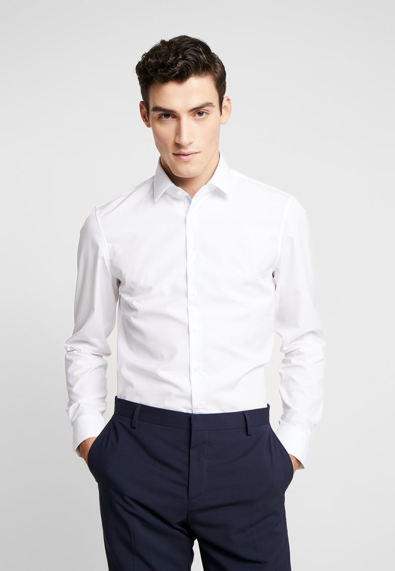 Calvin Klein Tailored - CONTRAST EASY IRON SLIM FIT SHIRT - Formal shirt - white