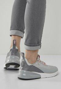British Knights - VALEN - Sneakersy niskie - light grey/peach - 0