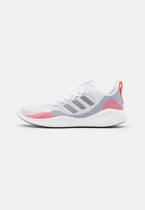 FLUIDFLOW 2.0 - Neutrale løbesko - halo silver/iron metallic/footwear white