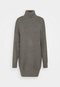 Missguided Tall - PREMIUM BOYFRIEND ROLL NECK DRESS - Strikket kjole - grey - 0