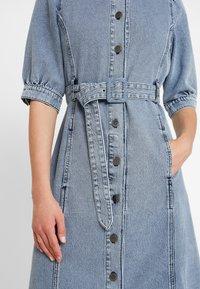 Gestuz - PIETTA DRESS - Denim dress - light-blue denim - 5