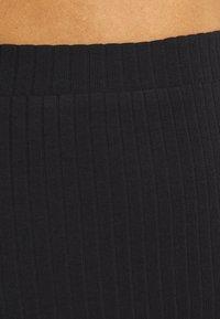 Even&Odd - Basic ribbed midi high waisted skirt - Pouzdrová sukně - black - 4