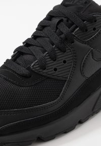 Nike Sportswear - AIR MAX 90 - Matalavartiset tennarit - black - 5