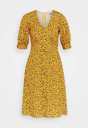 CLOSET PUFF SLEEVE VNECK DRESS - Denní šaty - mustard