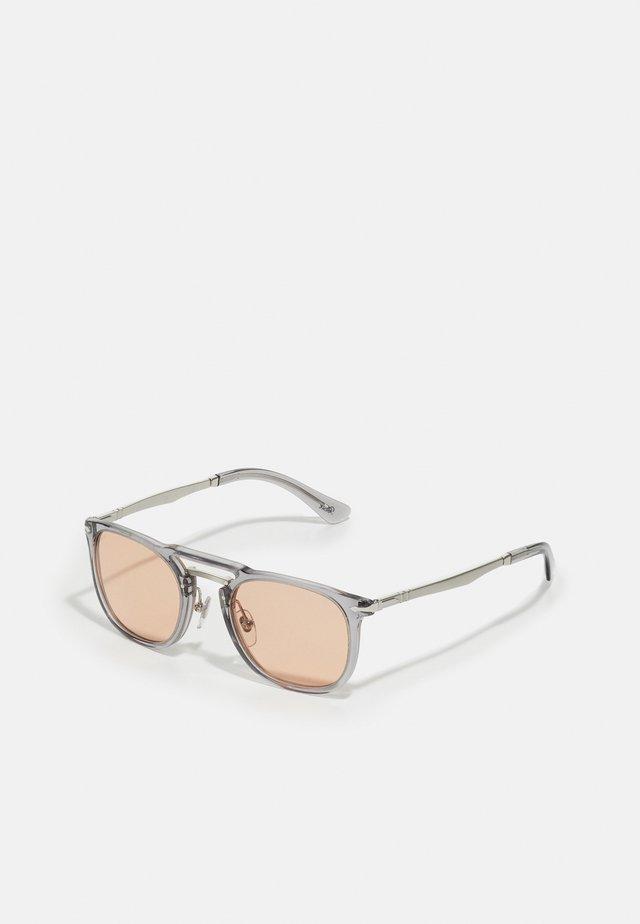 UNISEX - Lunettes de soleil - trasparent grey