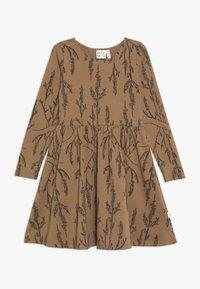 Mainio - HEATHER DRESS - Vestido ligero - dijon - 0