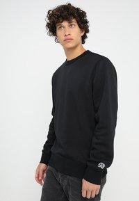 Nike SB - CREW ICON - Bluza - black - 0