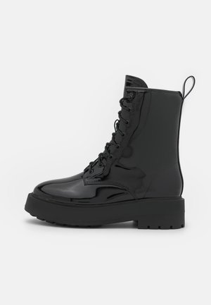 PERFECT LACED UP BOOT - Platform-nilkkurit - shiny black