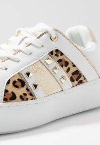 River Island - Sneakersy niskie - white - 2